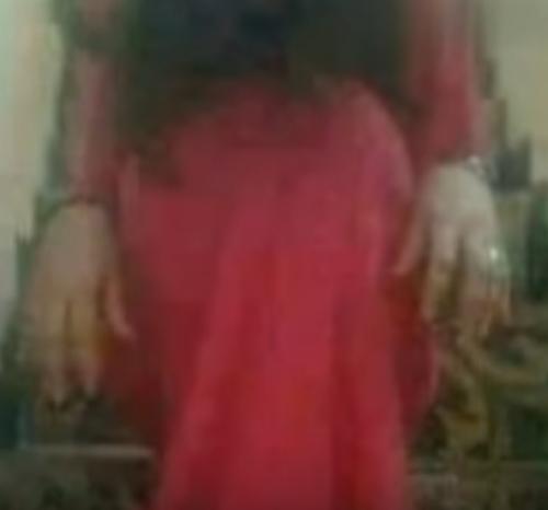 عاجل… ظهور امراه كلابيه تأكل البشر في صنعاء ونواحيها (فيديو+التفاصيل)